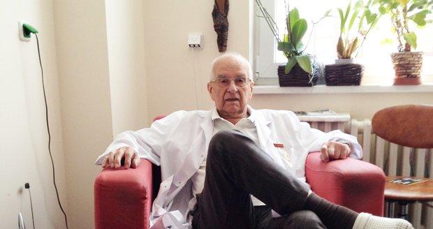 Ve věku 89 let zemřel 20. srpna 2019 poslední ze zakladatelů Institutu klinické a experimentální chirurgie (IKEM) kardiochirurg Rudolf Kramář (na snímku ze 14. září 2012). Byl jedním ze čtyř chirurgů, kteří se účastnili první transplantace srdce v Československu v roce 1984.