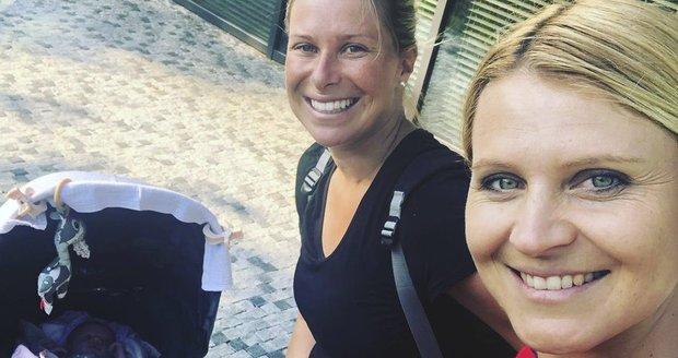 Tenistky Lucie Šafářová a Andrea Hlaváčková