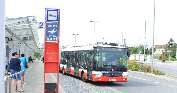 Z nádraží Veleslavín budou za tři roky vyjíždět elektrobusy.