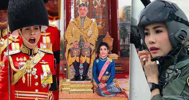 Thajský král představil konkubínu. Zdravotní sestra umí řídit letadlo a skákat padákem