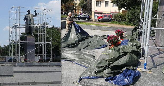 """Moskva hrozí odplatou za Koněva. Ruský velvyslanec půjde na """"kobereček"""" vysvětlovat nacisty"""