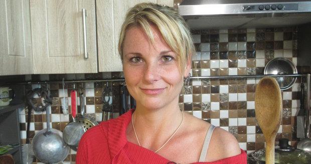 Úterní hostitelka, poštovní doručovatelka Lucie, zaskočí ostatní soutěžící tím, že nejí maso.