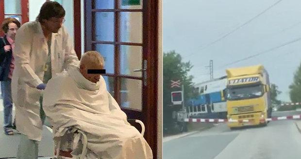 Kamioňák z Uhříněvsi, který skončil po srážce s vlakem v prostěradle: Stále mlčí!