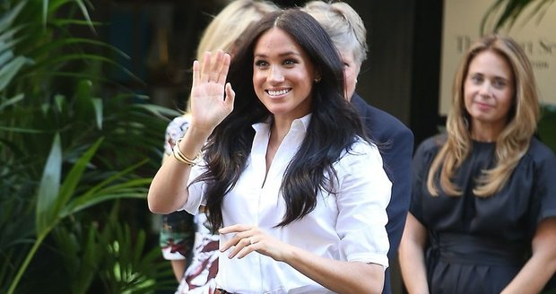 Vévodkyně Meghan uvedla novou kolekci oblečení a neskryla poporodní kila