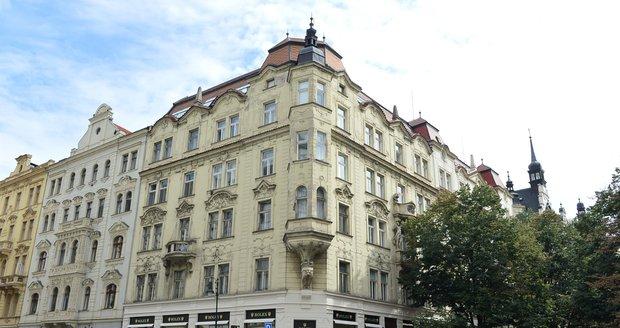 Rolex platí nájem nyní zhruba 9 milionů korun ročně.