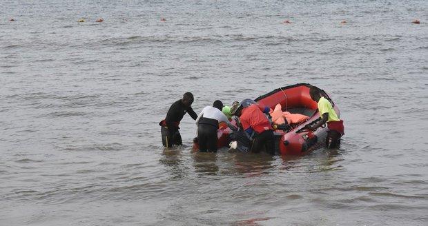 V dovolenkovém ráji se potopila loď s turisty z Evropy: Několik lidí zemřelo