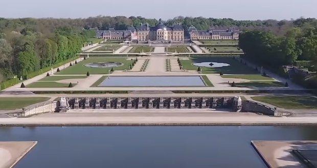 Lupiči přepadli majitele v proslulém zámku: Odnesli si věci za 52 milionů!