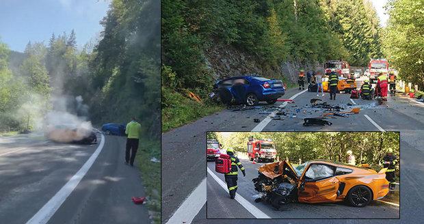 Mustang smetl a zabil řidiče (†49) v protisměru: Údajně závodil s jinými silnými vozy!