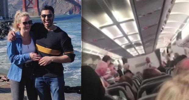 Zkrachovalá společnost Thomas Cook: Cestující pro personál letadla vybrali 150 tisíc korun