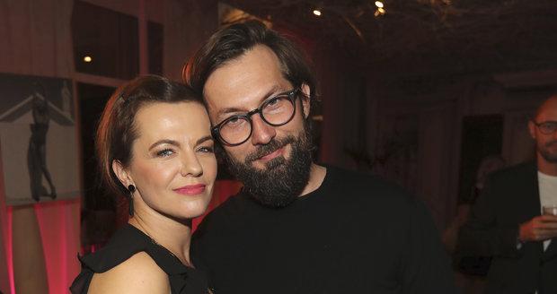 Křest kalendáře Simony Krainové: Marta Jandová s manželem Miroslavem Vernerem