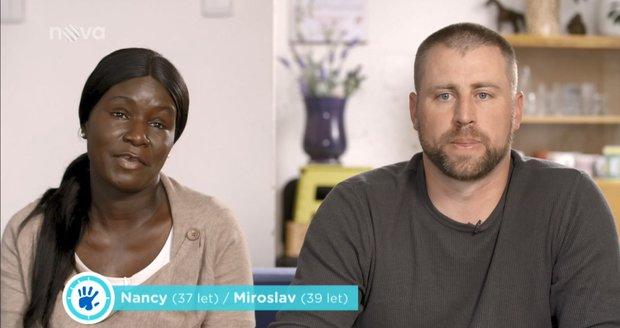 Nancy z Keni českým porodním asistentkám moc nedůvěřuje...