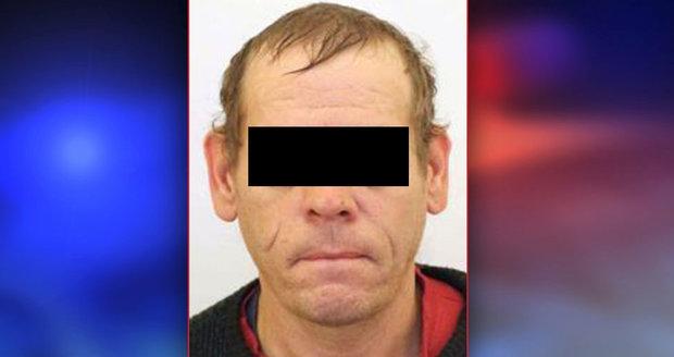Policie pátrala po Petru Z. (41), který odešel zraněný z nemocnice. Panovala obava o jeho život. Muž se sám přihlásil.
