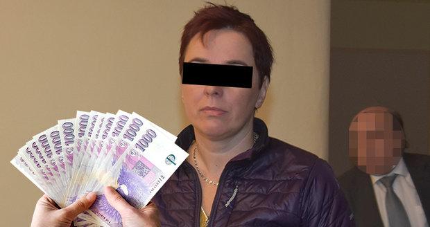 Jitka K. (45) čelí obžalobě, že sexem vylákala ze seniora (65) skoro půl milionu korun.