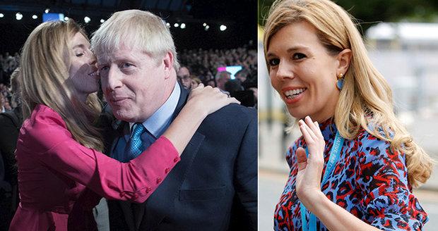 """Johnsonova """"vydřička"""" utíká z Downing street. Chodí si zatrsat na ABBU"""