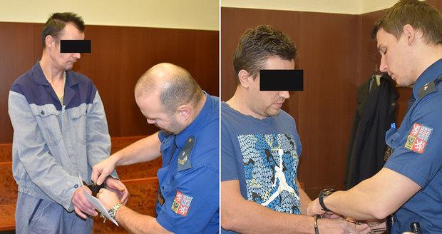 Martina T. (vlevo) a Vladimíra D. soud viní z krutého zbití Tomáše. Ten je už půl roku v kómatu.