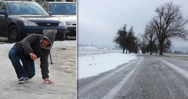 Ledovka smýká Českem, nehody uzavřely D1. Ve kterých krajích to klouže nejvíc?