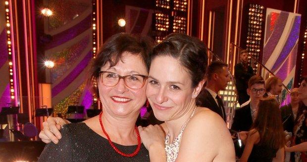 Veronika Khek Kubařová a maminka