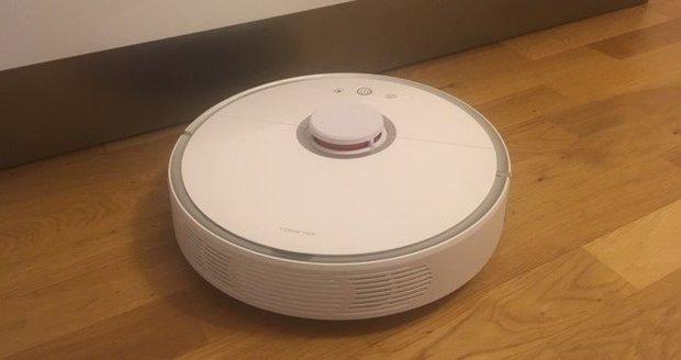 Robotický vysavač Xiaomi Roborock Sweep One S50 se při úklidu mojí domácnosti skvěle osvědčil