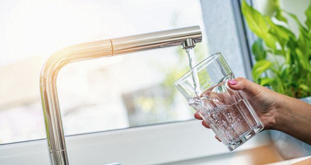 PVK informuje o různých omezeních v dodávkách pitné vody formou sms zprávy. (ilustrační foto)