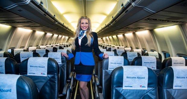 Lucie Borhyová jako letuška