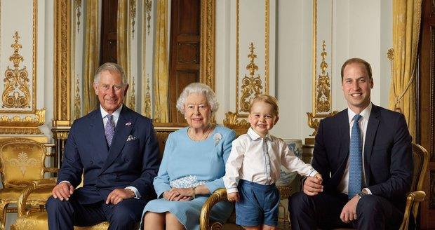 Fotografie tří dědiců britského trůnu a královny z roku 2016
