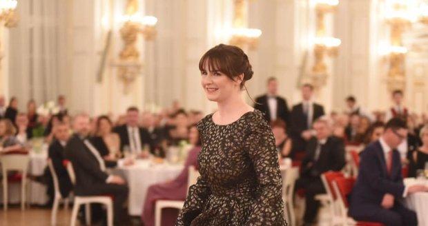 Dcera prezidenta Miloše Zemana Kateřina na hradním plese (10. 1. 2020)