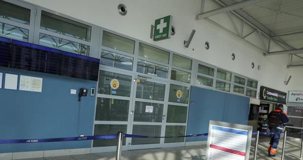 Letiště Václava Havla přijalo dílčí opatření kvůli koronaviru, o lékařskou službu na něm následně stoupl zájem  (27.1.2020)