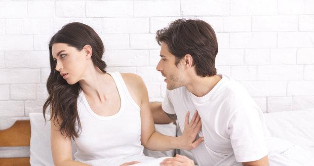 Nevěra nemusí ve vztahu znamenat rozchod. Jak ji přestát?
