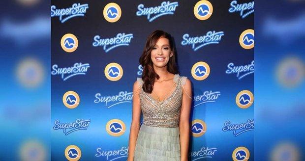 Jasmina Alagičová měla na SuperStar párty vysoké podpatky vzdor vymknutému kotníku.