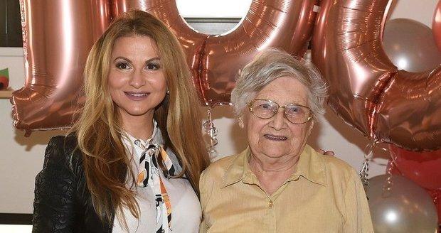 Yvetta Blanarovičová popřála paní Eleonoře k 100. narozeninám.
