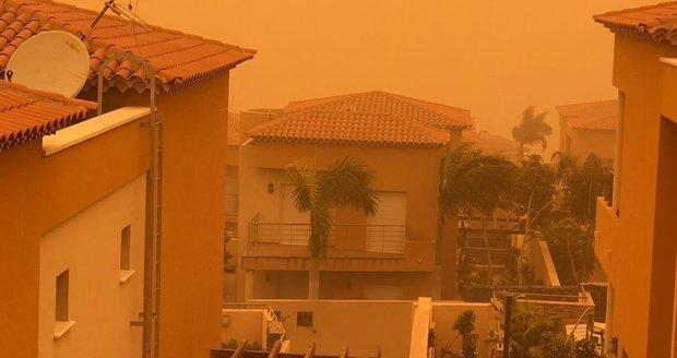Na Tenerife řádila písečná bouře.