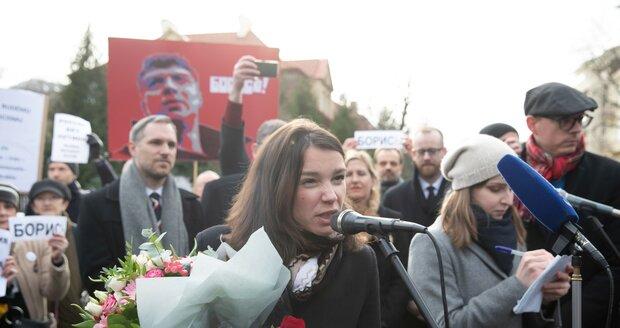 Přijela i dcera zavražděného opozičního ruského politika, Žanna Němcovová.