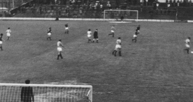 Vášnivý fotograf František Dostál měl ke sportu vždy blízko. V mládí běhal štafety, v dorostu také vyčníval ve skoku do výšky.