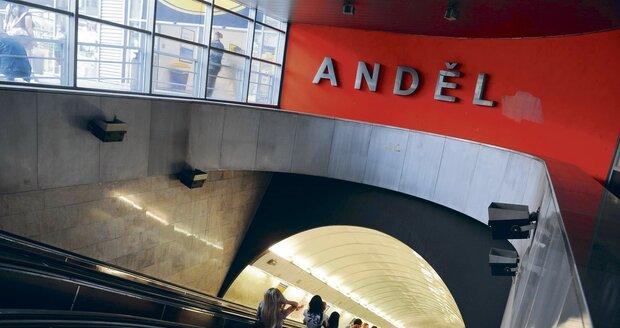 Opravy se ve stanici Anděl konaly v roce 2017 a 2018.