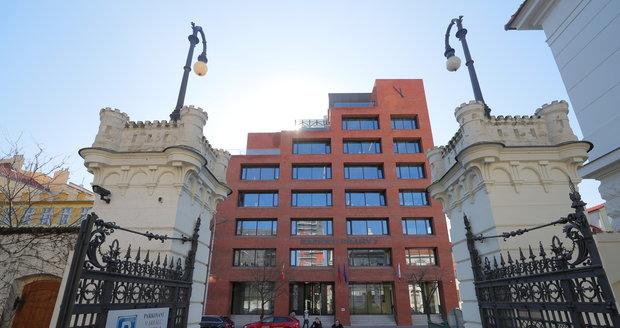 Rada městské části Prahy 7 schválila podmínky, za jakých investor může postavit nedaleko Libeňského mostu nový bytový komplex.