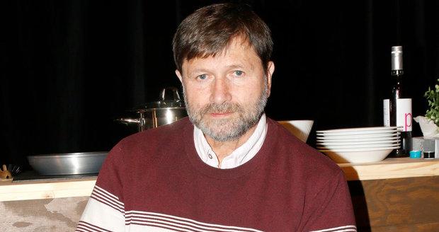 Jan Hrušínský označil nařízení vlády ohledně zákazu akcí nad 100 za likvidační.