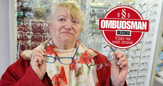 Nové brýle, přes něž Milada  Rozumková z Vřesiny  nevidí. Vlevo na čtení,  vpravo na dálku.