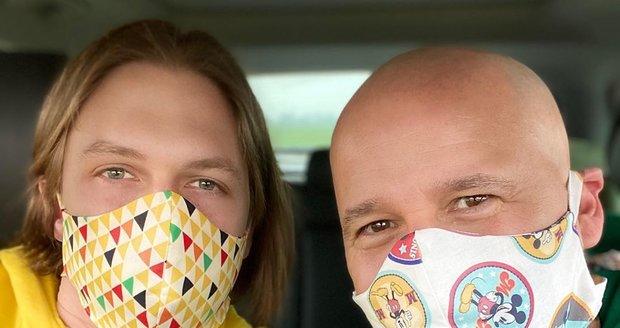 Jan Musil s partnerem se chrání stylově