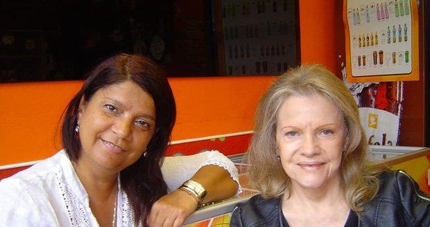 Exdružka Dana Nekonečného Zuzana Kardová byla rodinnou přítelkyní Evy Pilarové a jejího manžela.