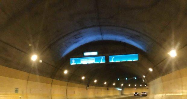 Ve Strahovském tunelu 5. dubna 2020 vypadlo osvětlení.