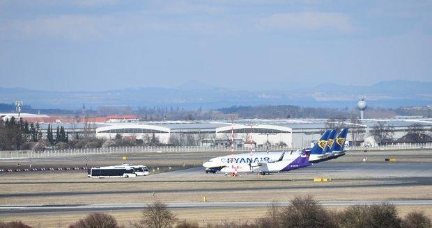 Pražské letiště v době koronavirové pandemie.