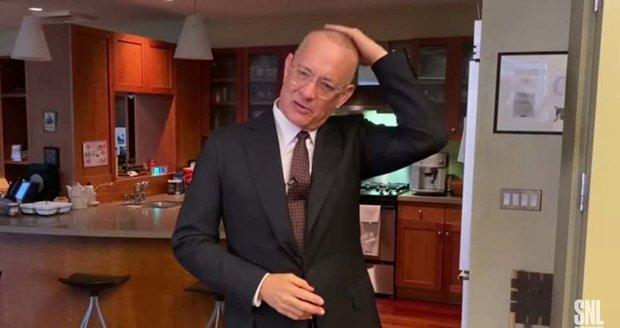 Tom Hanks se poprvé od pozitivních testů na koronavirus vrátil před kameru.