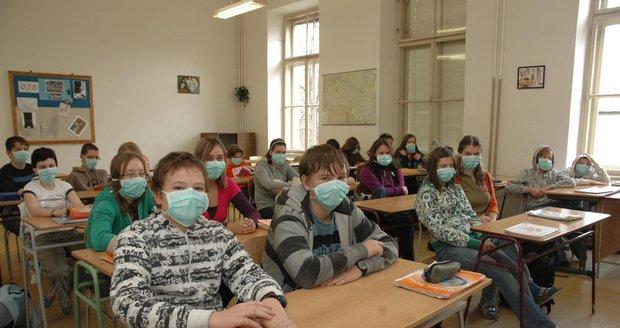 Koronavirus pronikl do 250 škol: Středočeský kraj trpí nejvíc, Královéhradecký odolává