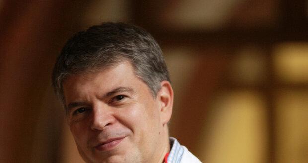 prof. MUDr. David Cibula, CSc., FCMA, vedoucí Onkogynekologického centra VFN v Praze.