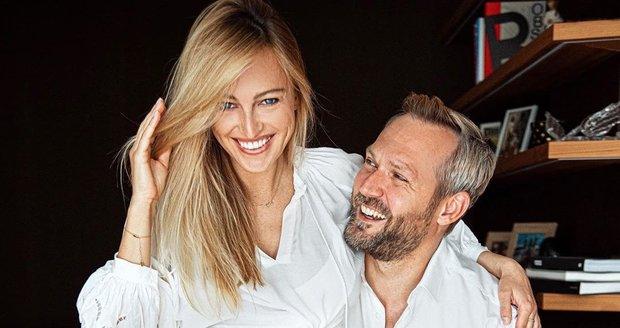 Manžel Renaty Langmannové Ondřej Novotný naznačil, že se s manželkou nejspíš těší na holčičku.