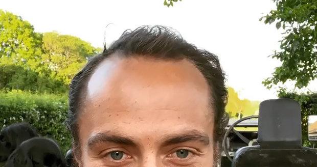 James Middleton se oholil, aby překvapil svou snoubenku.