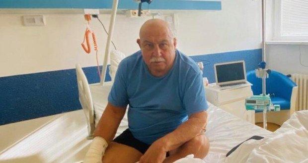 Andy Hryc bojuje v nemocnici s leukemií.