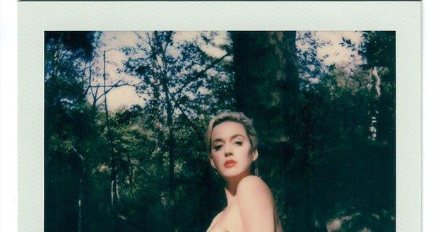 Zpěvačka Katy Perry se odvázala v novém klipu Daisies.