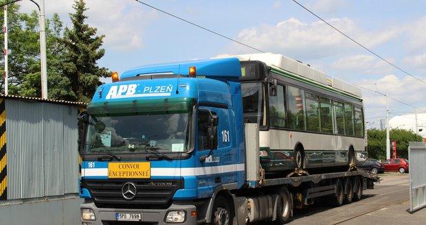 Dopravní podnik hl. města Prahy si pořídil vlastní trolejbus