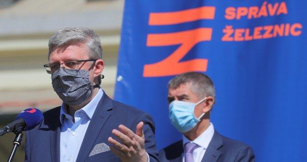 Negrelliho viadukt si 29. května 2020, tři dny před jeho znovuotevřením pro dopravu, prohlédli premiér Andrej Babiš (ANO) a ministr Karel Havlíček (ANO).